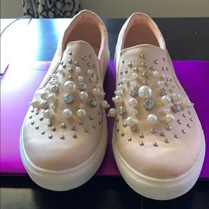 Shoes - Women's beaded shoes